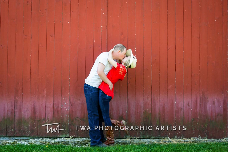 Chicago-Wedding-Photographer-TWA-Photographic-Artists-Riverview-Farmstead_Kingma_Hume_MJ-050