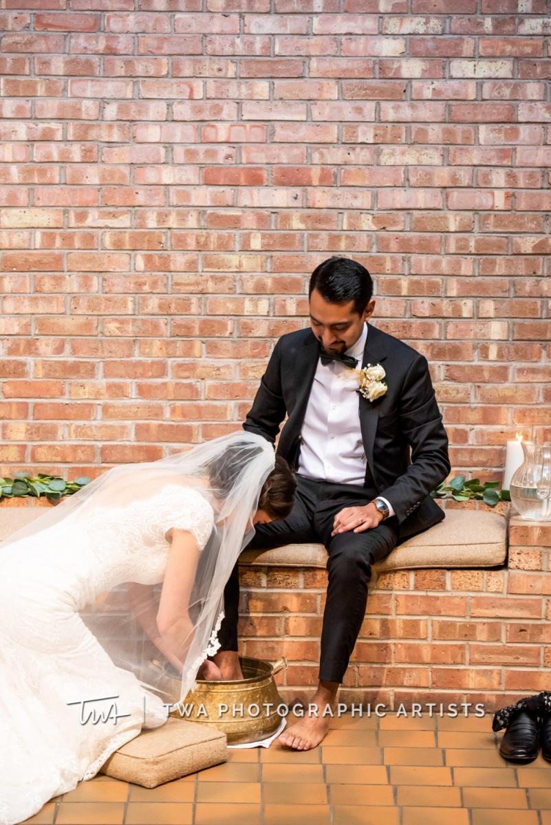Chicago-Wedding-Photographer-TWA-Photographic-Artists-Harold-Washington-Library-Winter-Garden_Early_Moreno_KH_ES-0385