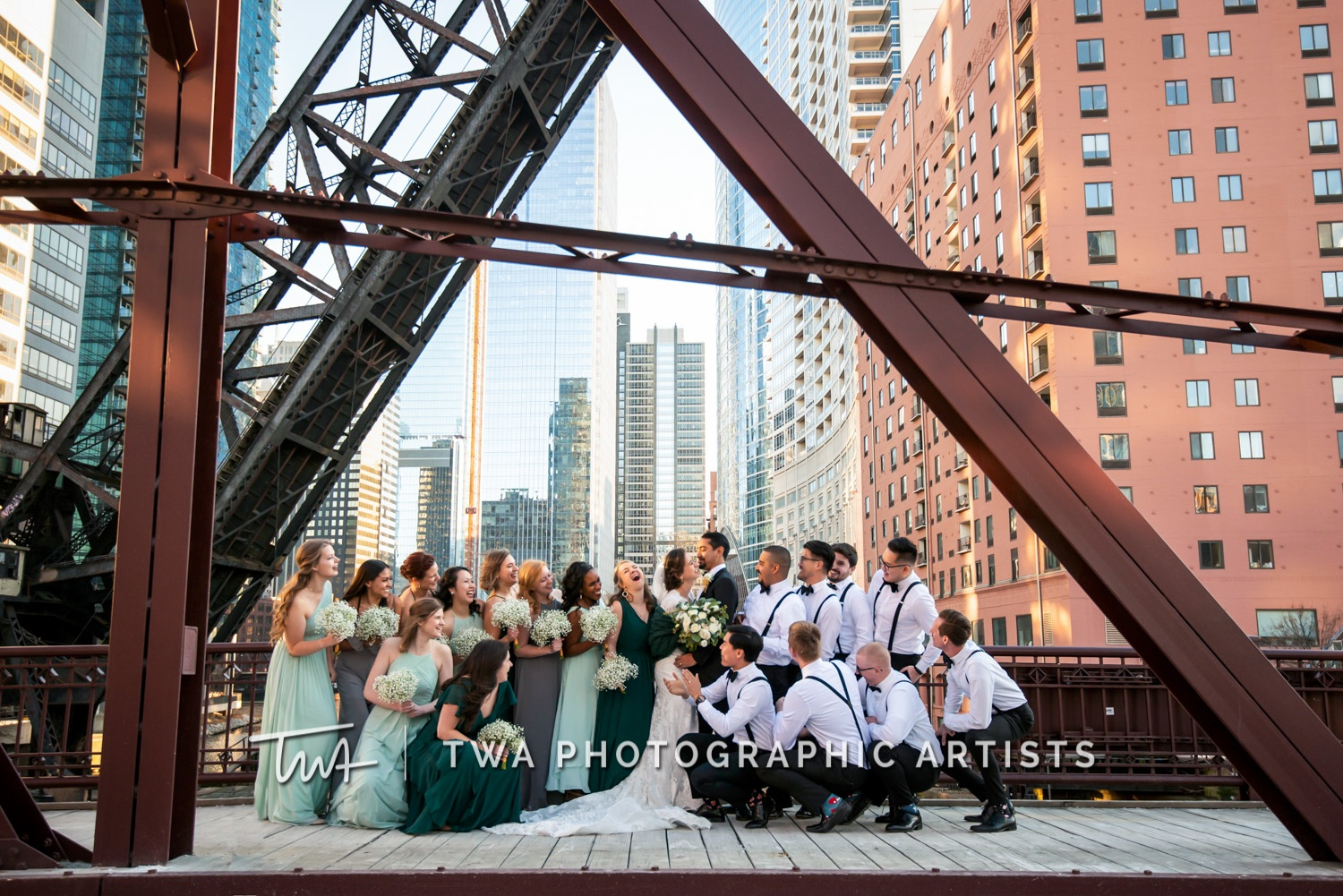 Chicago-Wedding-Photographer-TWA-Photographic-Artists-Harold-Washington-Library-Winter-Garden_Early_Moreno_KH_ES-0573-Edit