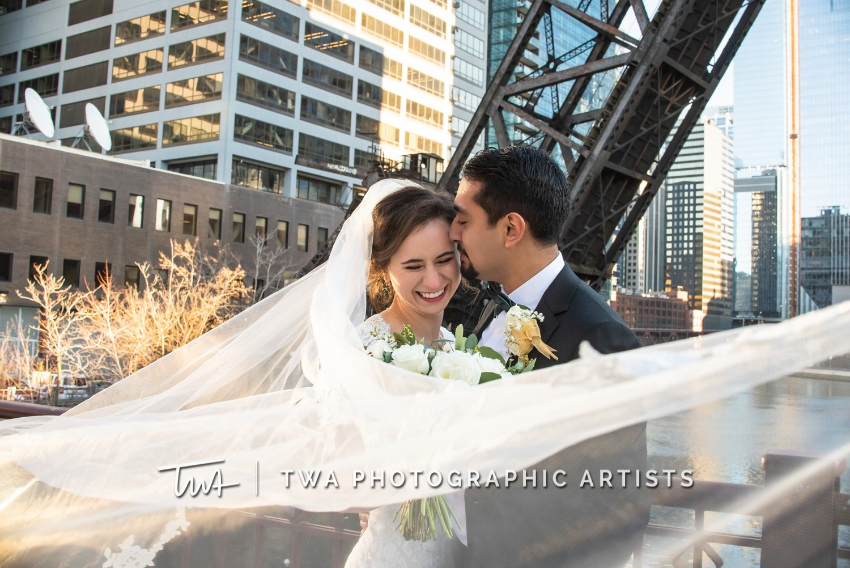 Chicago-Wedding-Photographer-TWA-Photographic-Artists-Harold-Washington-Library-Winter-Garden_Early_Moreno_KH_ES-0588