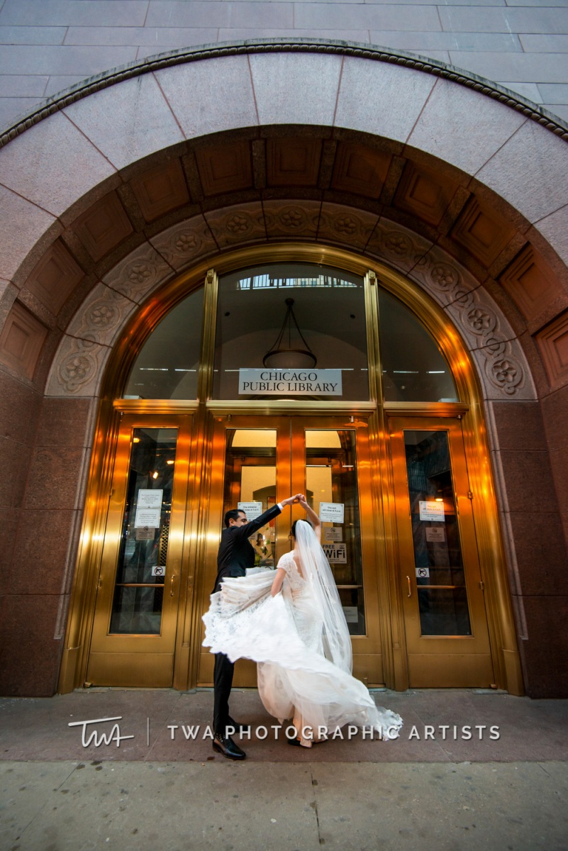 Chicago-Wedding-Photographer-TWA-Photographic-Artists-Harold-Washington-Library-Winter-Garden_Early_Moreno_KH_ES-0651