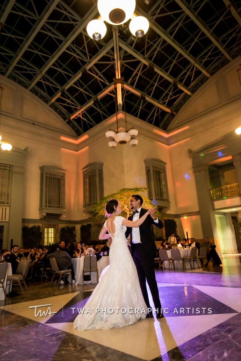 Chicago-Wedding-Photographer-TWA-Photographic-Artists-Harold-Washington-Library-Winter-Garden_Early_Moreno_KH_ES-0821