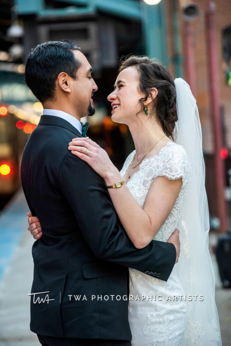 Chicago-Wedding-Photographer-TWA-Photographic-Artists-Harold-Washington-Library-Winter-Garden_Early_Moreno_KH_ES-1235
