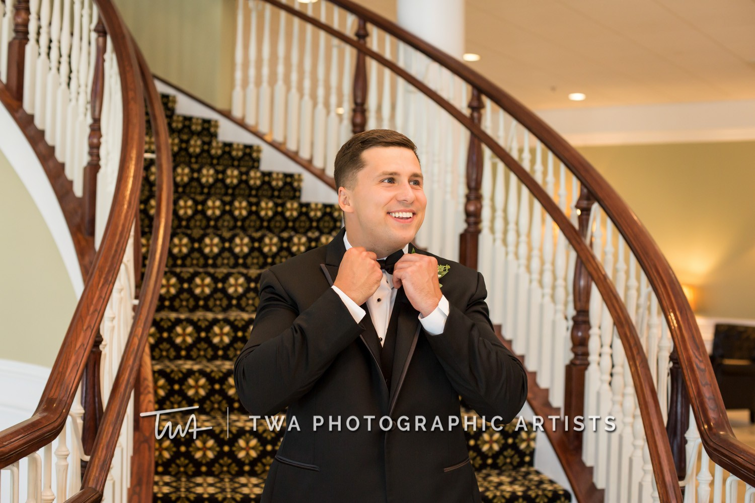 Chicago-Wedding-Photographer-TWA-Photographic-Artists-DiNolfo_s-Banquets_Augustine_Evans_MJ_WK-0348