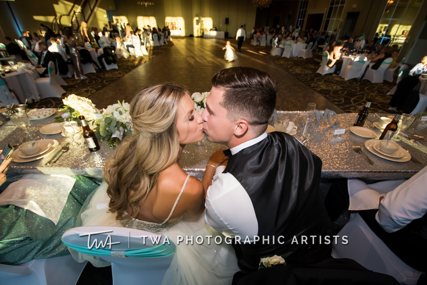 Chicago-Wedding-Photographer-TWA-Photographic-Artists-DiNolfo_s-Banquets_Augustine_Evans_MJ_WK-2071