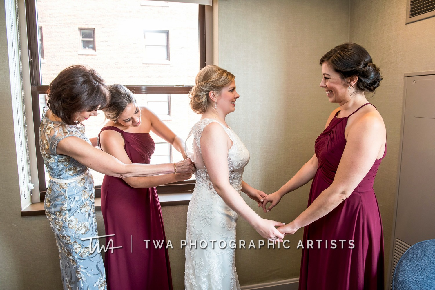 Chicago-Wedding-Photographer-TWA-Photographic-Artists-White-Pines-Banquets_Petersen_Sherman_ZZ_DL-010_0104