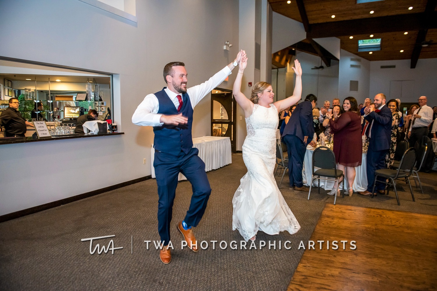 Chicago-Wedding-Photographer-TWA-Photographic-Artists-White-Pines-Banquets_Petersen_Sherman_ZZ_DL-061_0623