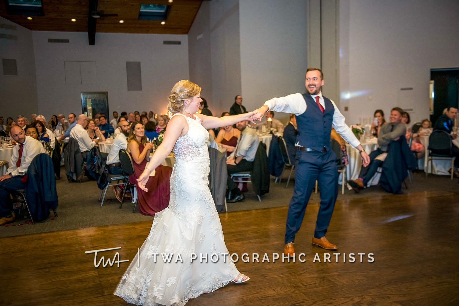 Chicago-Wedding-Photographer-TWA-Photographic-Artists-White-Pines-Banquets_Petersen_Sherman_ZZ_DL-074_0699
