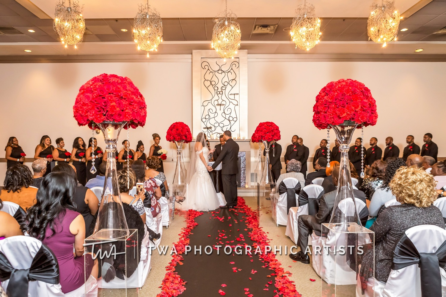 Chicago-Wedding-Photographer-TWA-Photographic-Artists-Belvedere-Banquets_Chambers_Robinson_MiC-0310