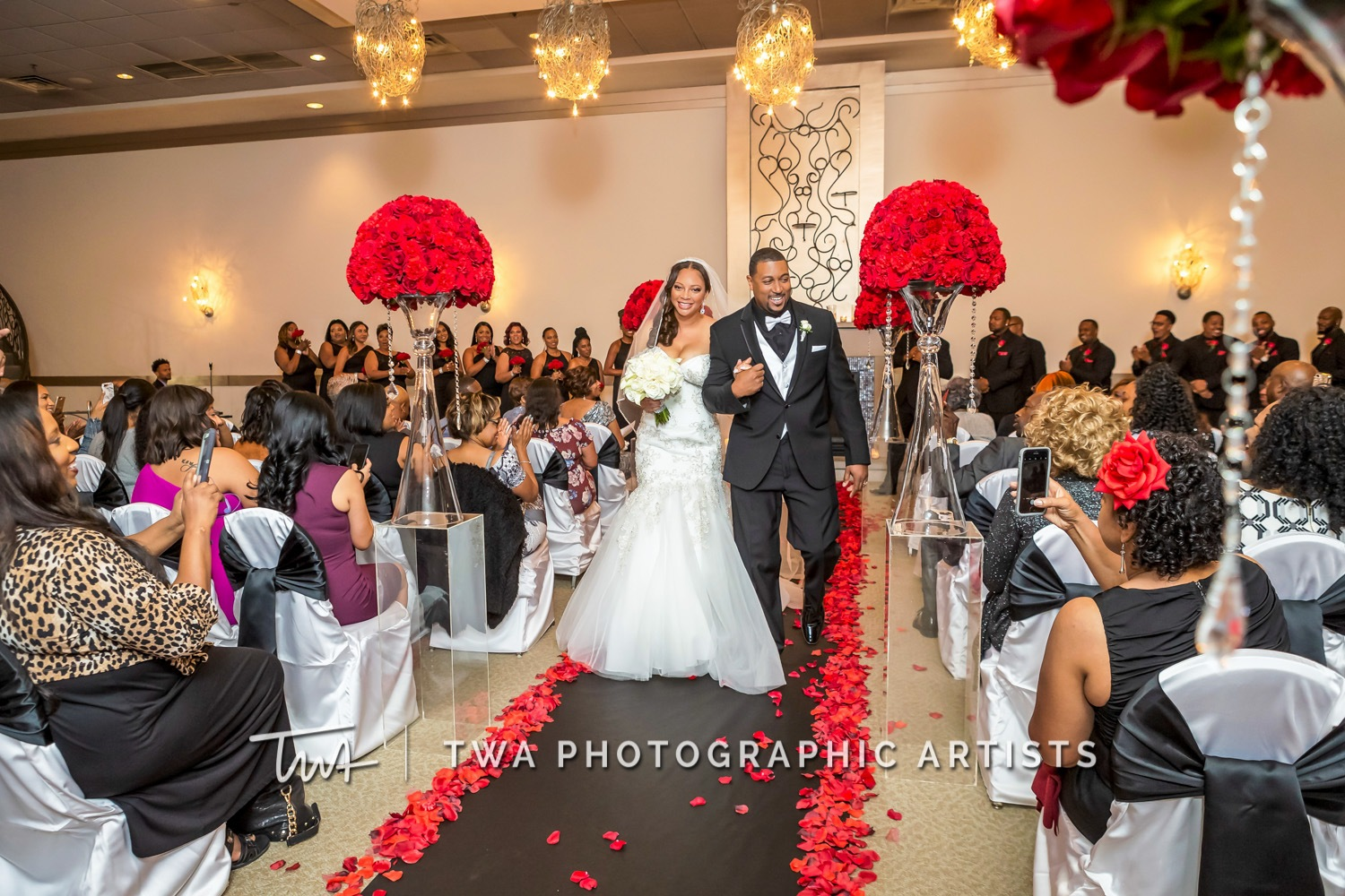 Chicago-Wedding-Photographer-TWA-Photographic-Artists-Belvedere-Banquets_Chambers_Robinson_MiC-0356