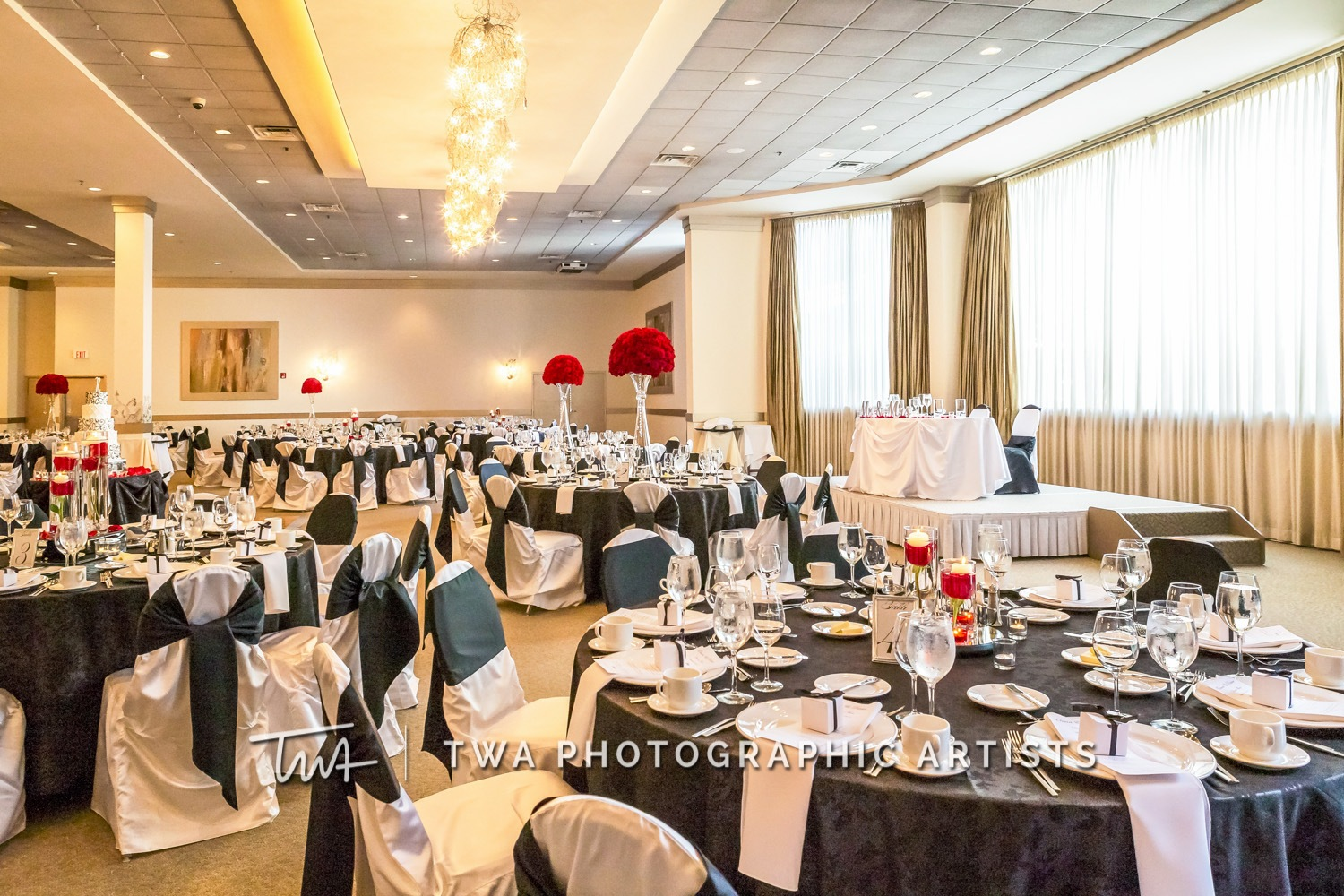 Chicago-Wedding-Photographer-TWA-Photographic-Artists-Belvedere-Banquets_Chambers_Robinson_MiC-0395