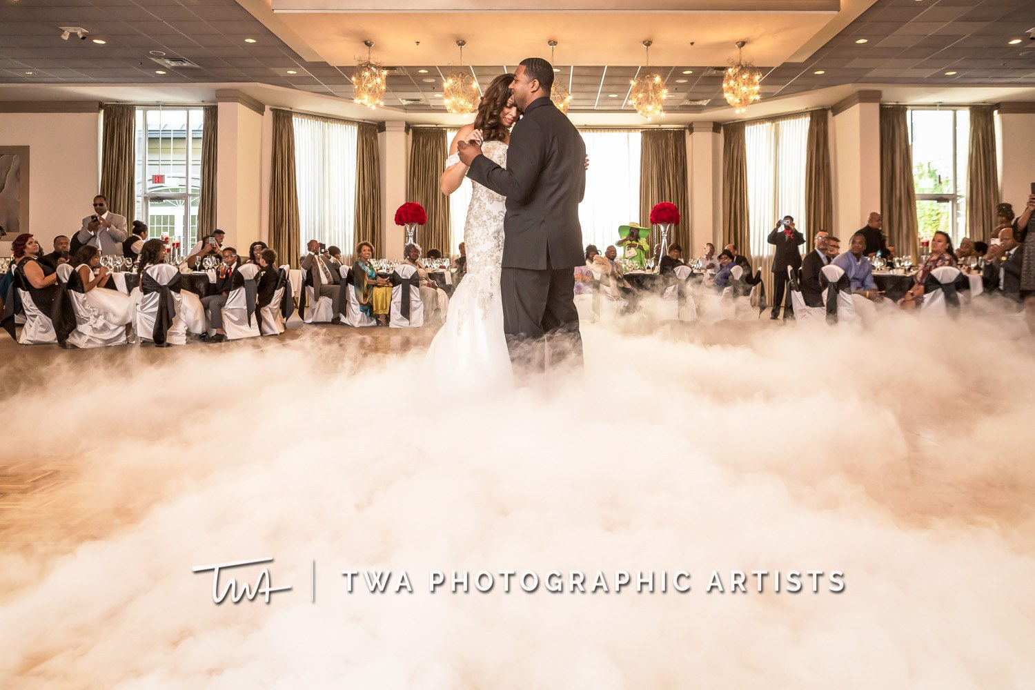 Chicago-Wedding-Photographer-TWA-Photographic-Artists-Belvedere-Banquets_Chambers_Robinson_MiC-0569