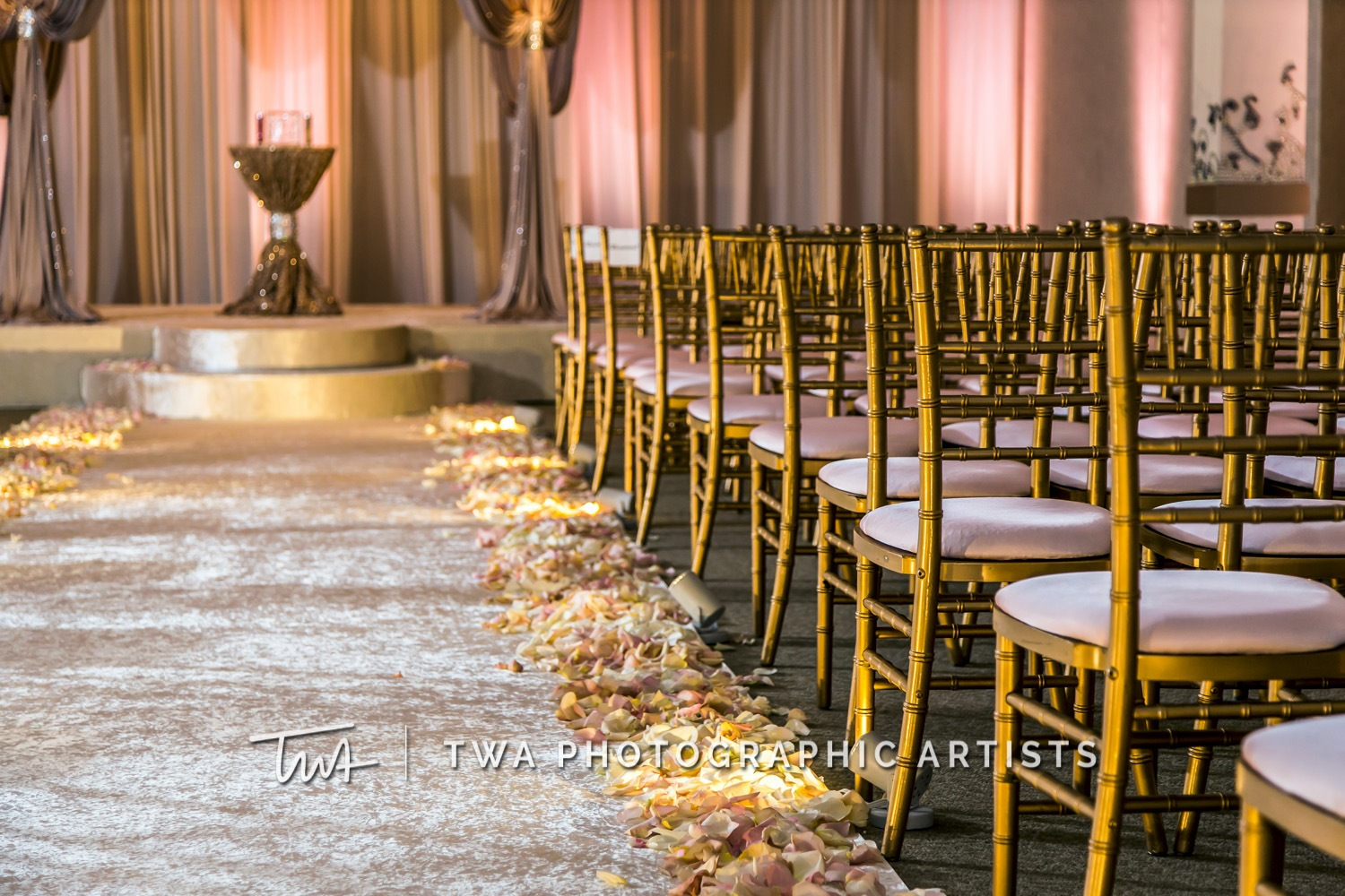Chicago-Wedding-Photographer-TWA-Photographic-Artists-Belvedere-Banquets_Lavender_Chambers_SG-0235