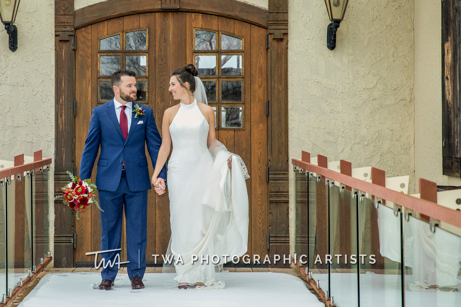 Chicago-Wedding-Photographers-Onion-Pub-and-Brewery_Sherry_Weiner_JA-0614