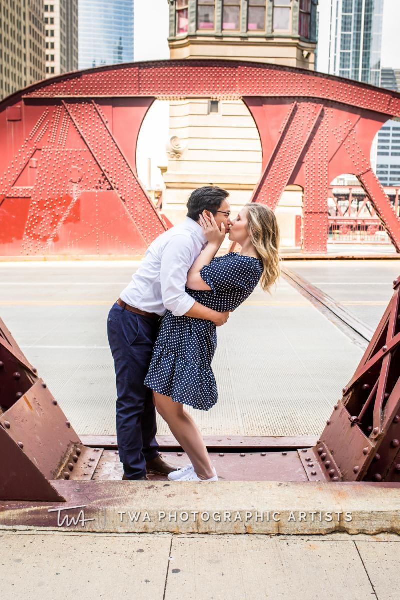 Chicago-Wedding-Photographer-TWA-Photographic-Artists-Merchandise-Mart_Roller_Maglasang_MJ-020