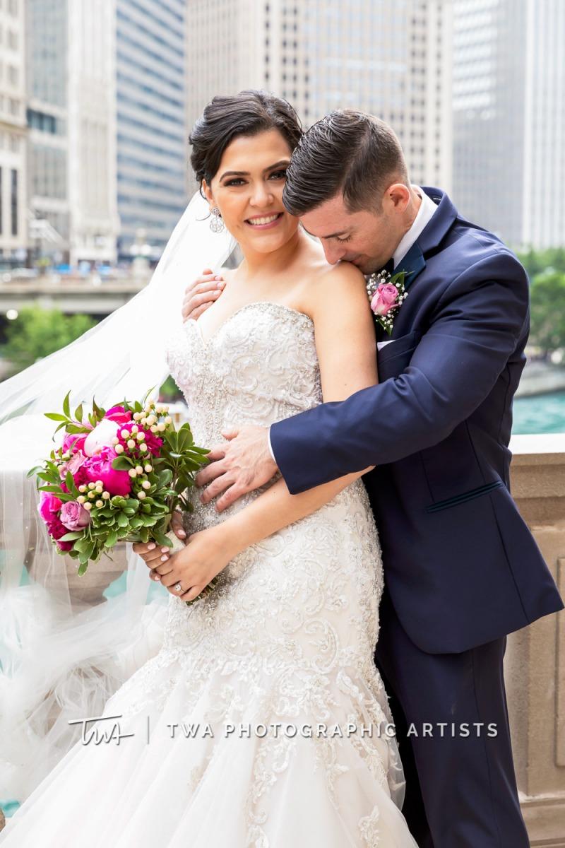 Chicago-Wedding-Photographer-TWA-Photographic-Artists-Pinstripes-Chicago_Rodriguez_Condon_BK_MP-00213