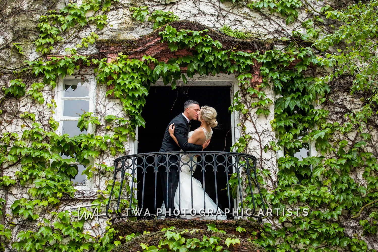 Chicago-Wedding-Photographer-TWA-Photographic-Artists-Ravisloe-CC_Steele_Zenere_JM_MP-0552