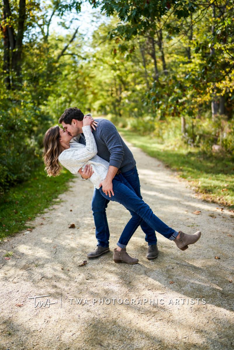 Chicago-Wedding-Photographer-TWA-Photographic-Artists-Ryerson-Conservation-Area_Bellocchio_Confalonieri_KS-011