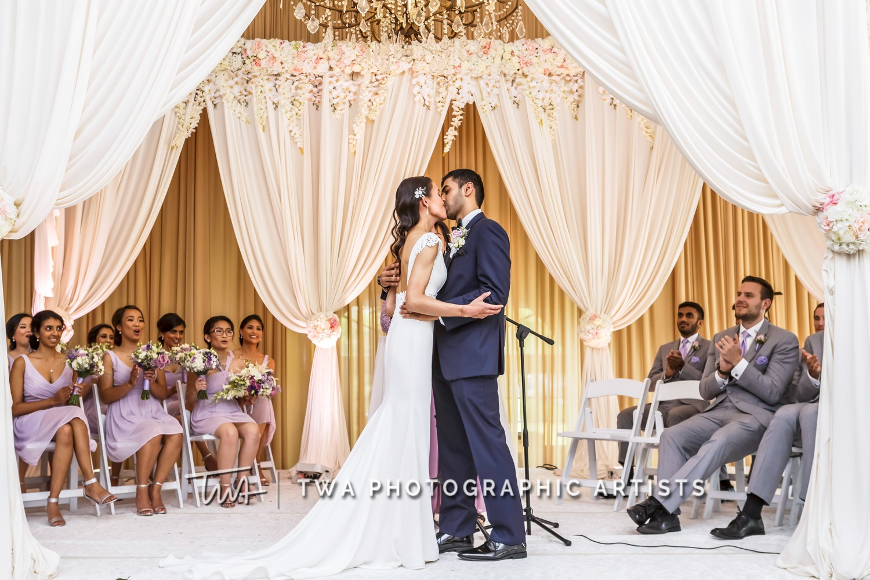 Chicago-Wedding-Photographer-TWA-Photographic-Artists-Hilton-Oak-Brook-Hills_Peralta_Patel_MC_ME-100_1192