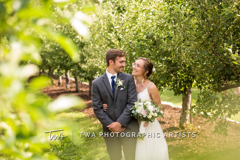 Chicago-Wedding-Photographer-TWA-Photographic-Artists-County-Line-Orchard_Mikula_Wright_JM-0713