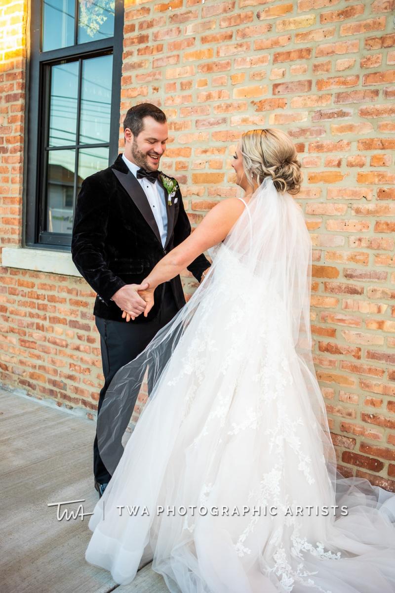 Chicago-Wedding-Photographers-Sanctuary-Events_Onderisin_Zander_ZZ_TL-0227