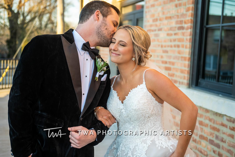 Chicago-Wedding-Photographers-Sanctuary-Events_Onderisin_Zander_ZZ_TL-0257