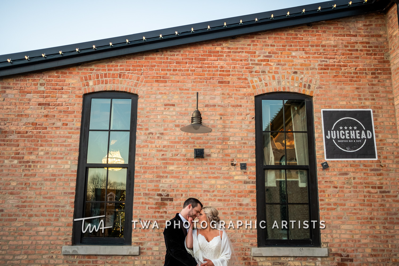 Chicago-Wedding-Photographers-Sanctuary-Events_Onderisin_Zander_ZZ_TL-0353