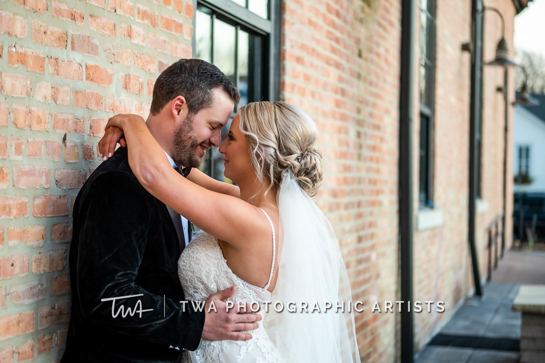 Chicago-Wedding-Photographers-Sanctuary-Events_Onderisin_Zander_ZZ_TL-0375