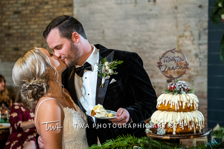 Chicago-Wedding-Photographers-Sanctuary-Events_Onderisin_Zander_ZZ_TL-0666