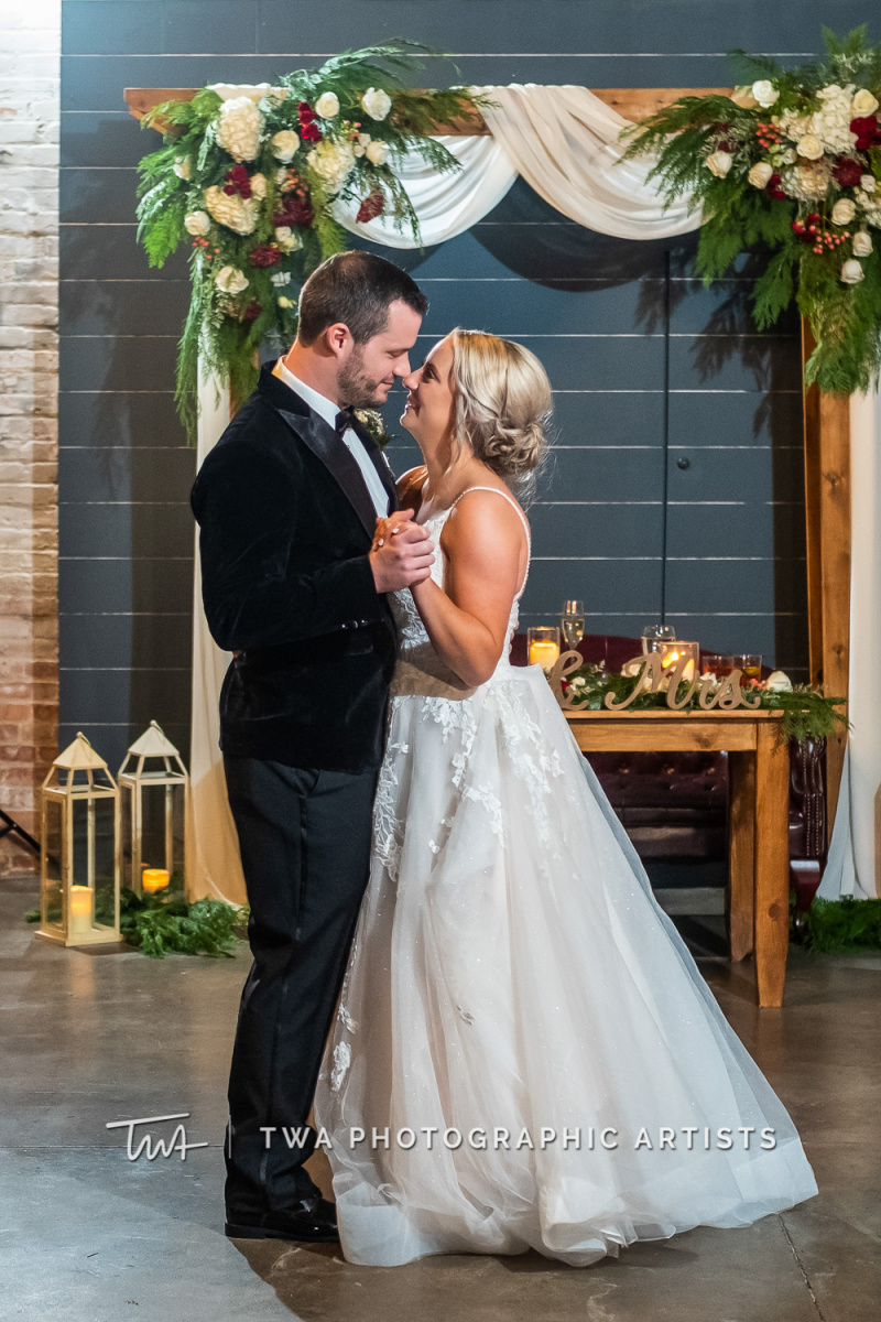 Chicago-Wedding-Photographers-Sanctuary-Events_Onderisin_Zander_ZZ_TL-0705