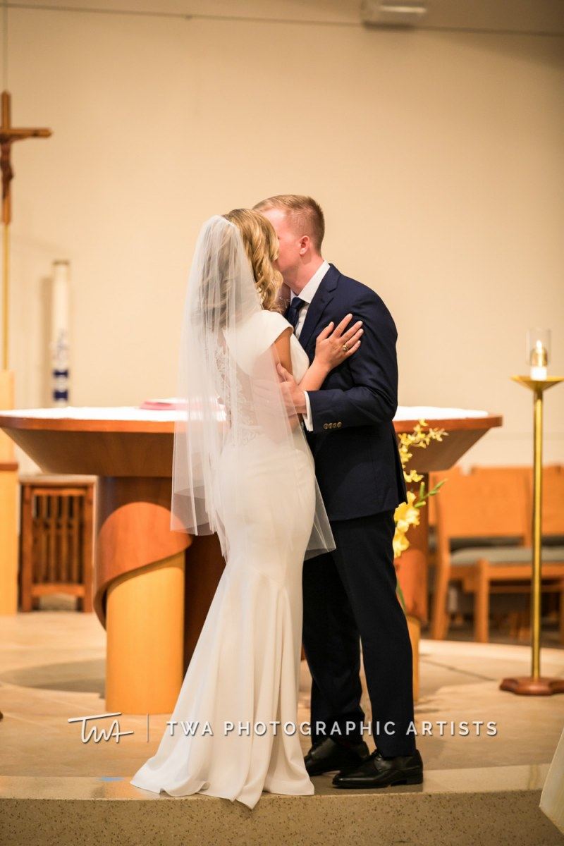 Chicago-Wedding-Photographer-TWA-Photographic-Artists-Osteria-Via-Stato_Hofert_Haase_JK-0422