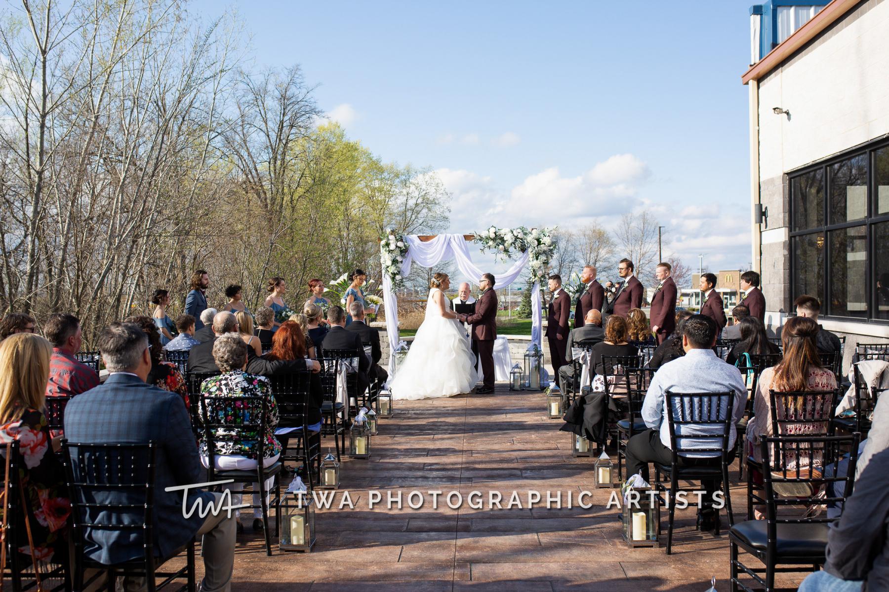 Chicago-Wedding-Photographers-Martini-Banquets_Borys_Caballero_MJ_SG-047-0284