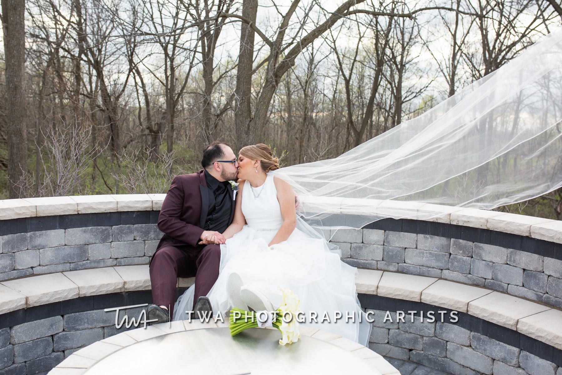 Chicago-Wedding-Photographers-Martini-Banquets_Borys_Caballero_MJ_SG-053-0386