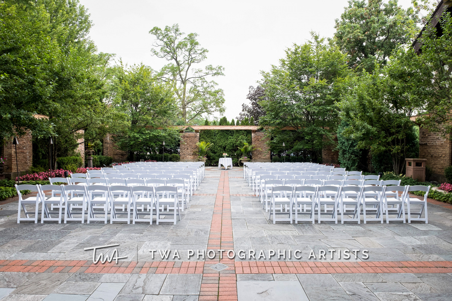 Chicago-Wedding-Photographers-Renaissance-Hotel_Hohensee_Fleishman_JG_DK-009-0122