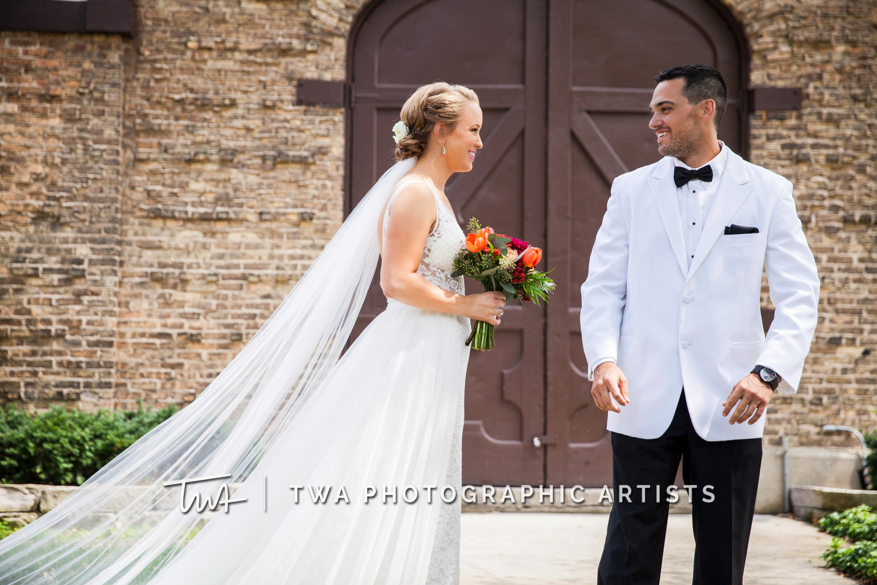 Chicago-Wedding-Photographers-Renaissance-Hotel_Hohensee_Fleishman_JG_DK-012-0988