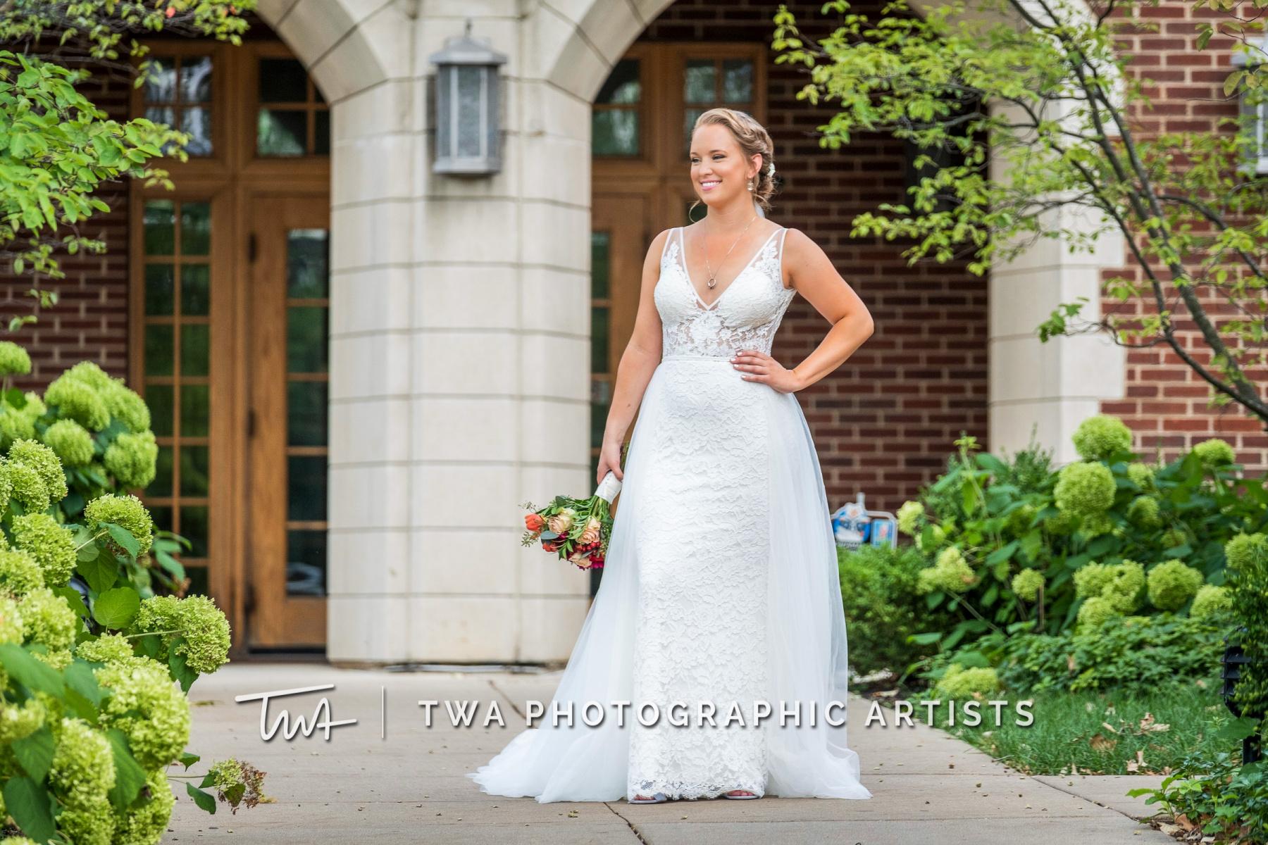 Chicago-Wedding-Photographers-Renaissance-Hotel_Hohensee_Fleishman_JG_DK-016-0145