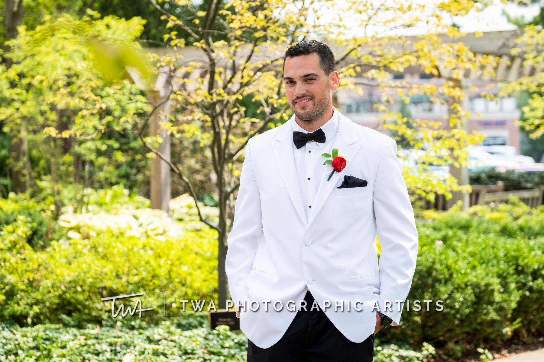Chicago-Wedding-Photographers-Renaissance-Hotel_Hohensee_Fleishman_JG_DK-018-0156