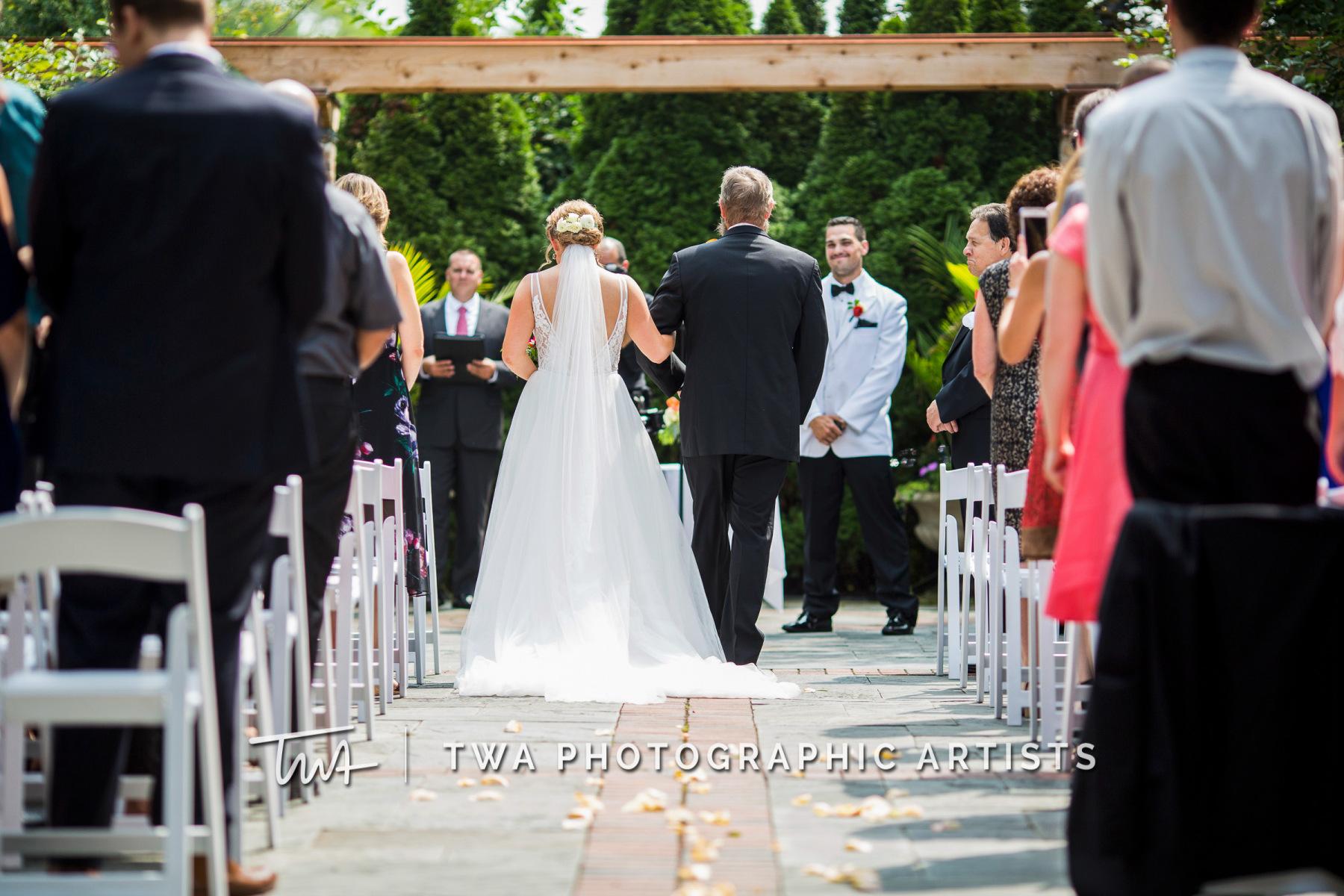 Chicago-Wedding-Photographers-Renaissance-Hotel_Hohensee_Fleishman_JG_DK-021-1102