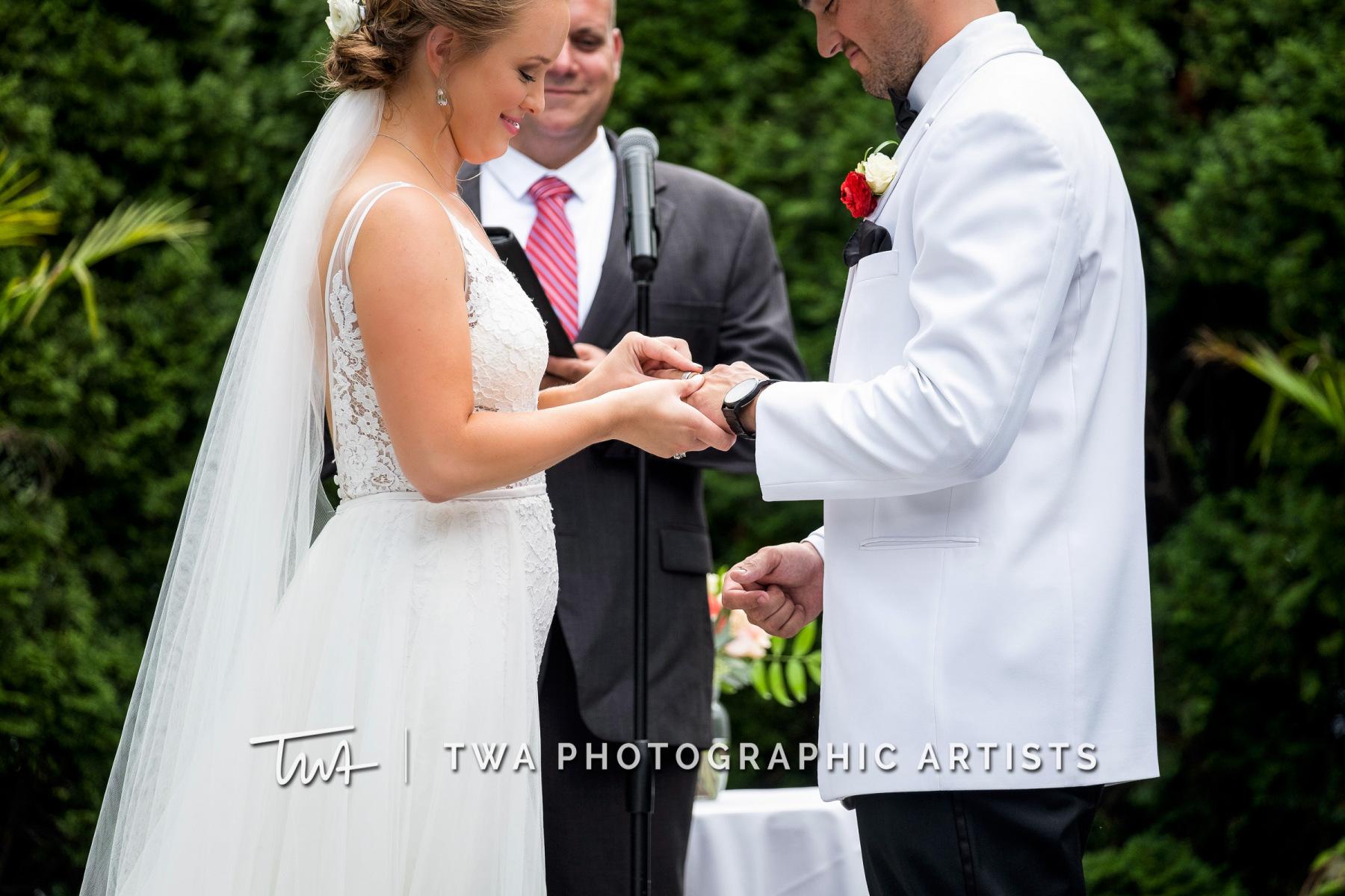 Chicago-Wedding-Photographers-Renaissance-Hotel_Hohensee_Fleishman_JG_DK-030-0267