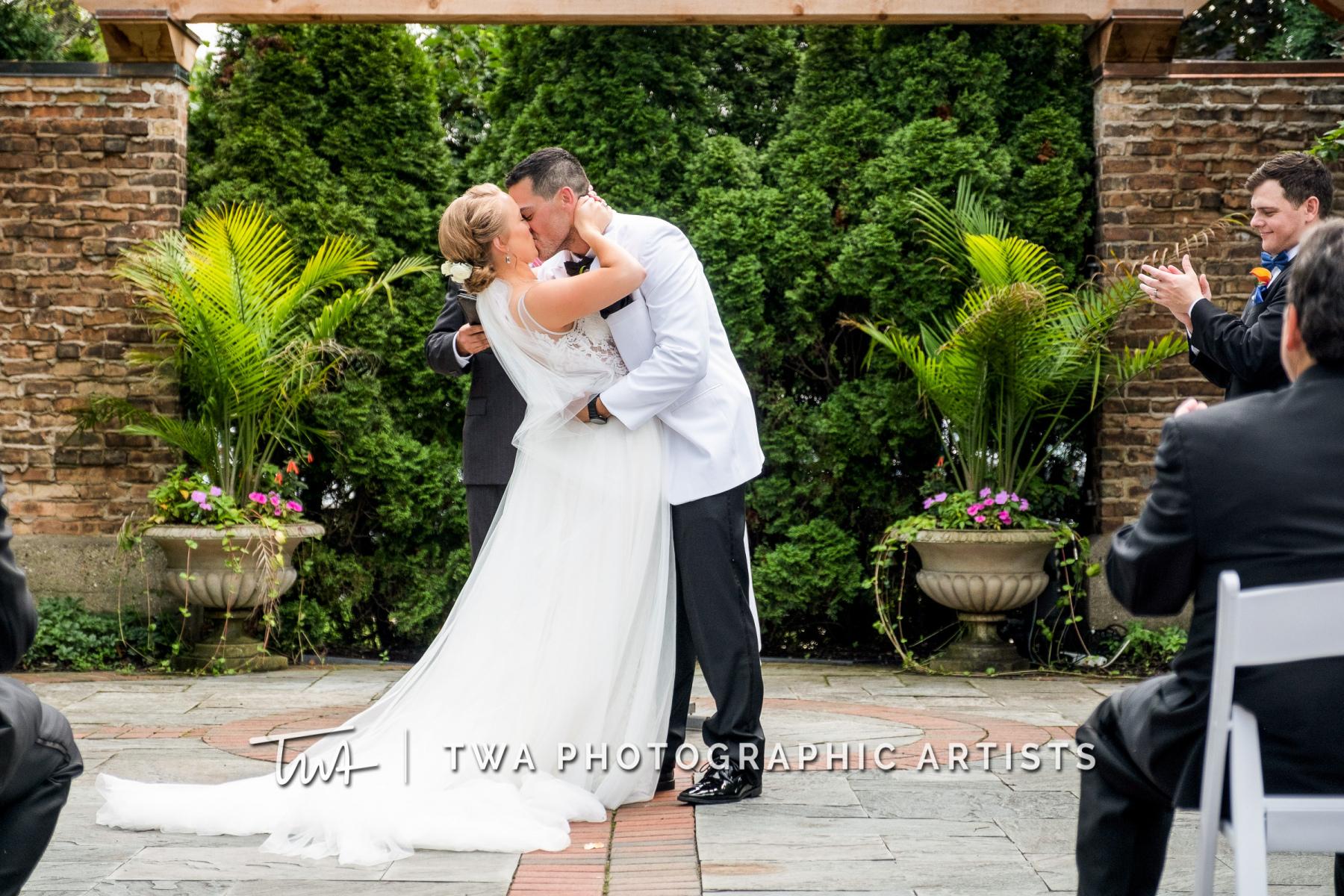Chicago-Wedding-Photographers-Renaissance-Hotel_Hohensee_Fleishman_JG_DK-033-0274