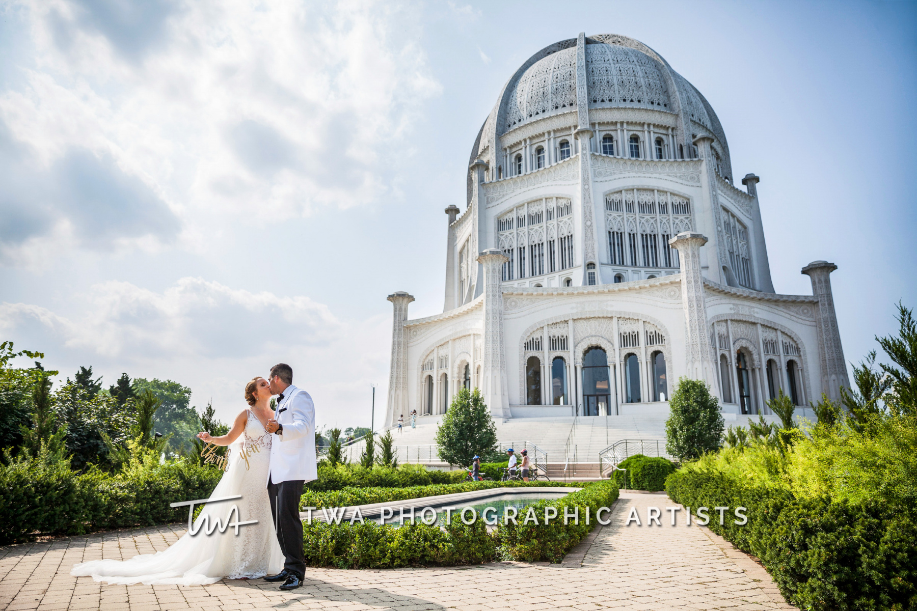 Chicago-Wedding-Photographers-Renaissance-Hotel_Hohensee_Fleishman_JG_DK-041-1242