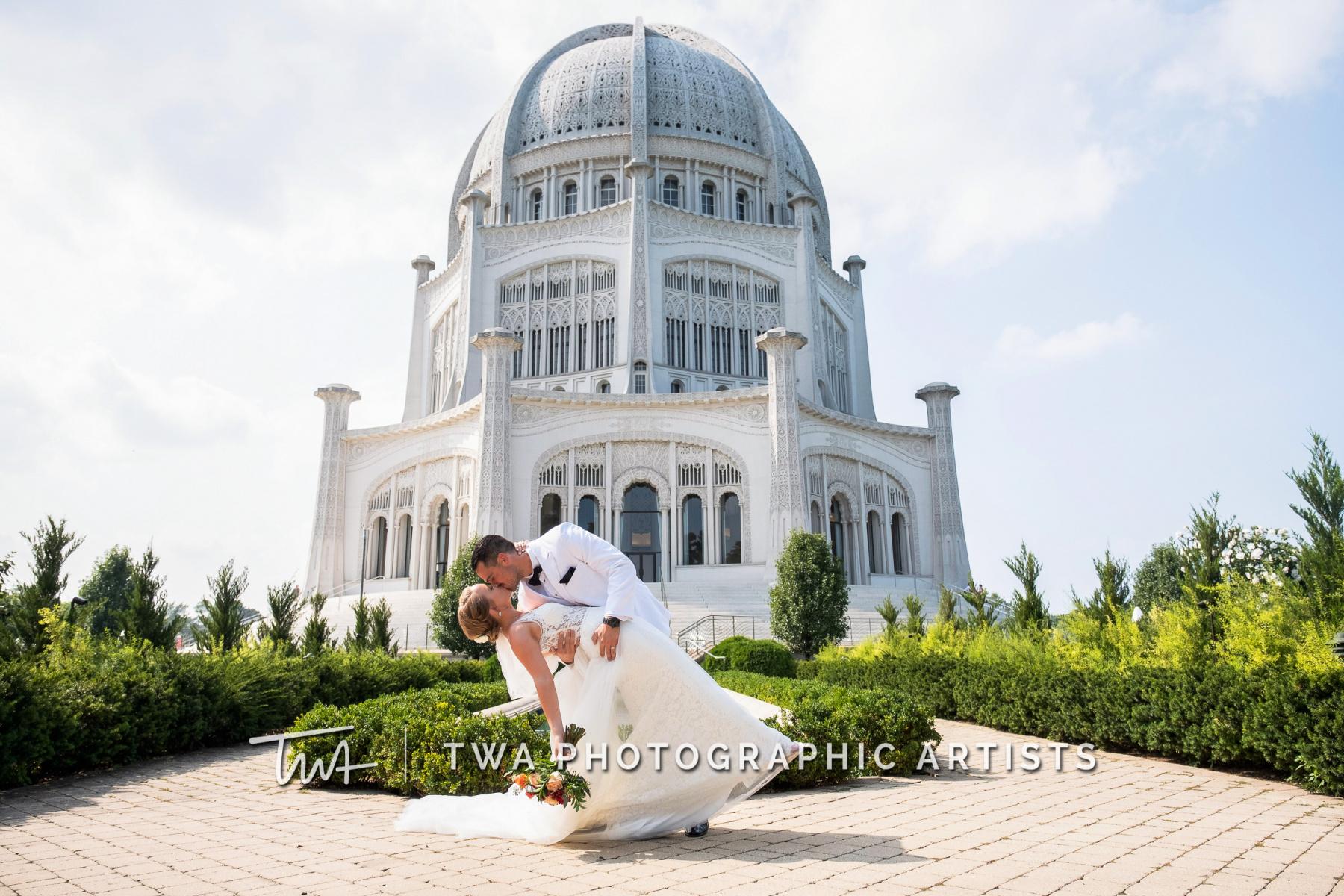 Chicago-Wedding-Photographers-Renaissance-Hotel_Hohensee_Fleishman_JG_DK-045-0325