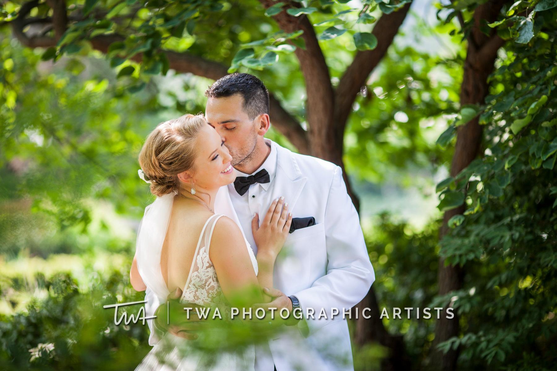 Chicago-Wedding-Photographers-Renaissance-Hotel_Hohensee_Fleishman_JG_DK-046-1251