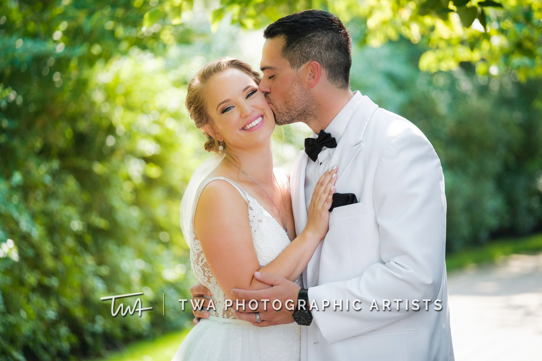Chicago-Wedding-Photographers-Renaissance-Hotel_Hohensee_Fleishman_JG_DK-047-0328