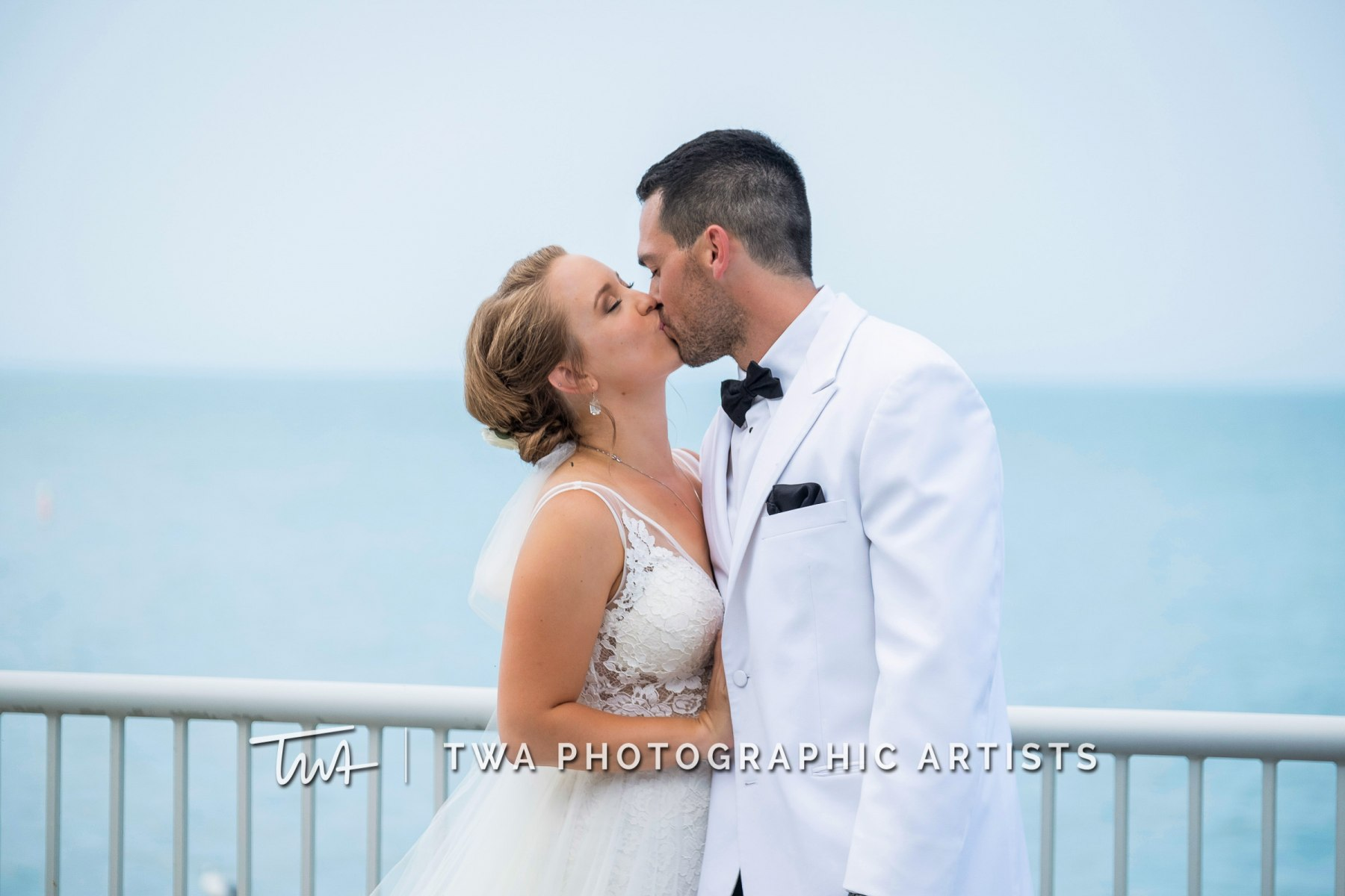 Chicago-Wedding-Photographers-Renaissance-Hotel_Hohensee_Fleishman_JG_DK-058-0378