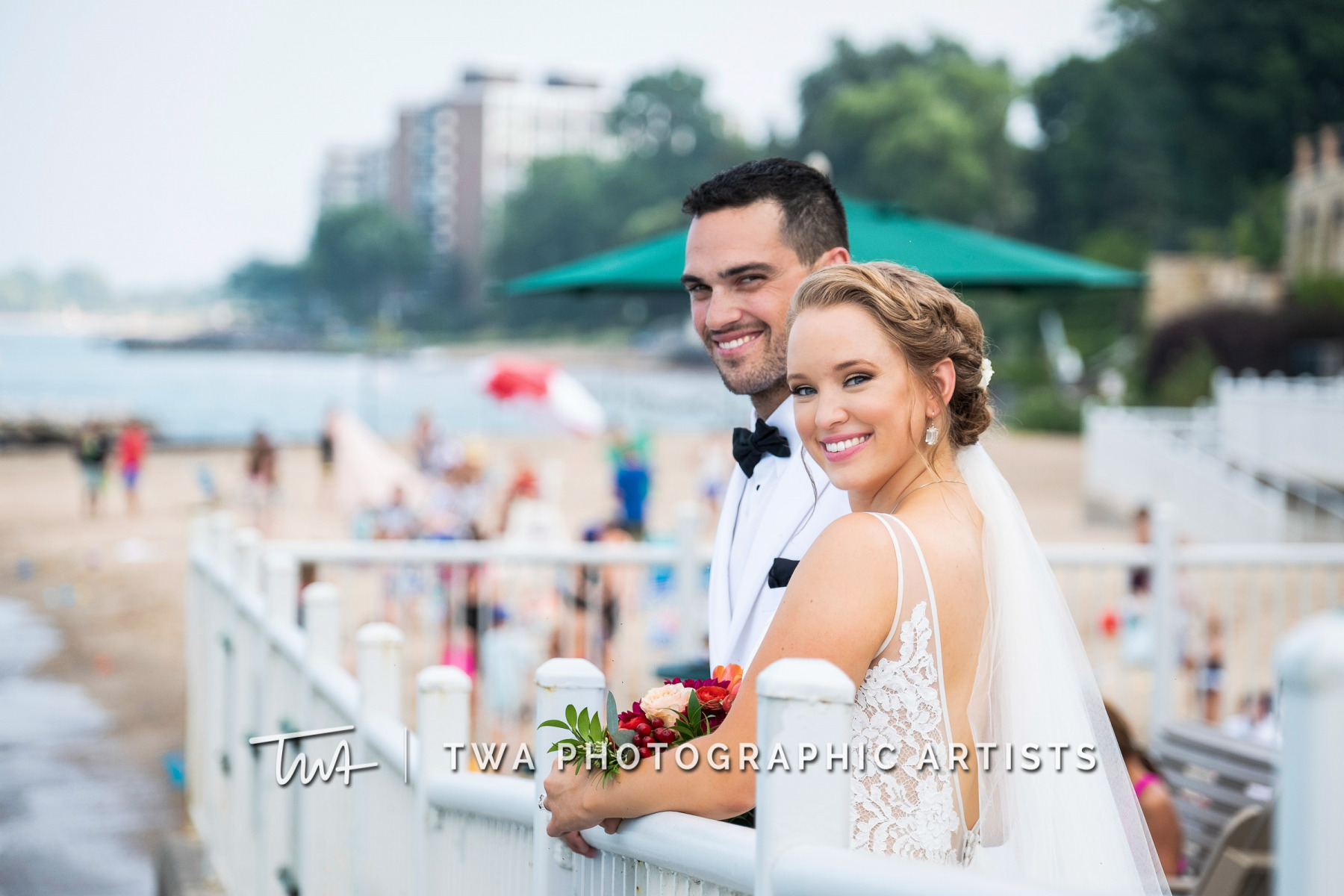 Chicago-Wedding-Photographers-Renaissance-Hotel_Hohensee_Fleishman_JG_DK-060-0383