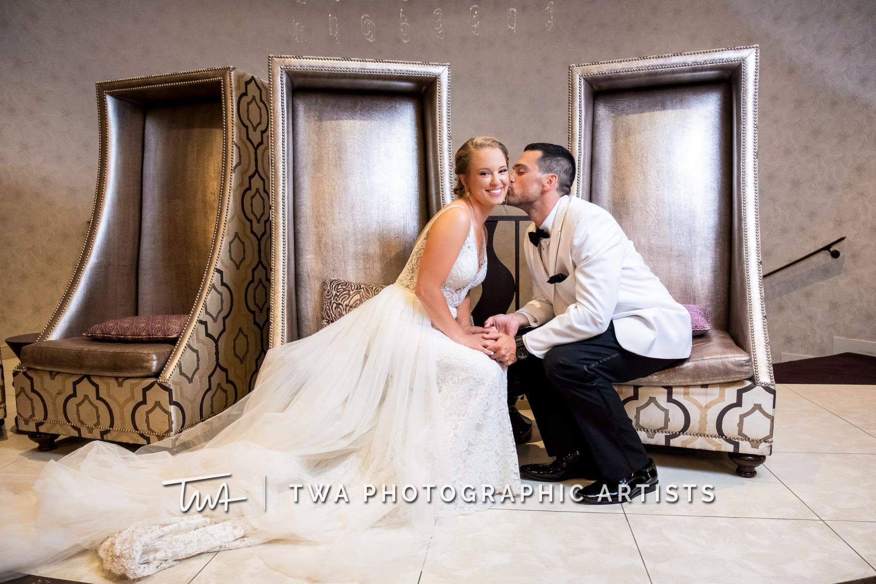 Chicago-Wedding-Photographers-Renaissance-Hotel_Hohensee_Fleishman_JG_DK-067-0410
