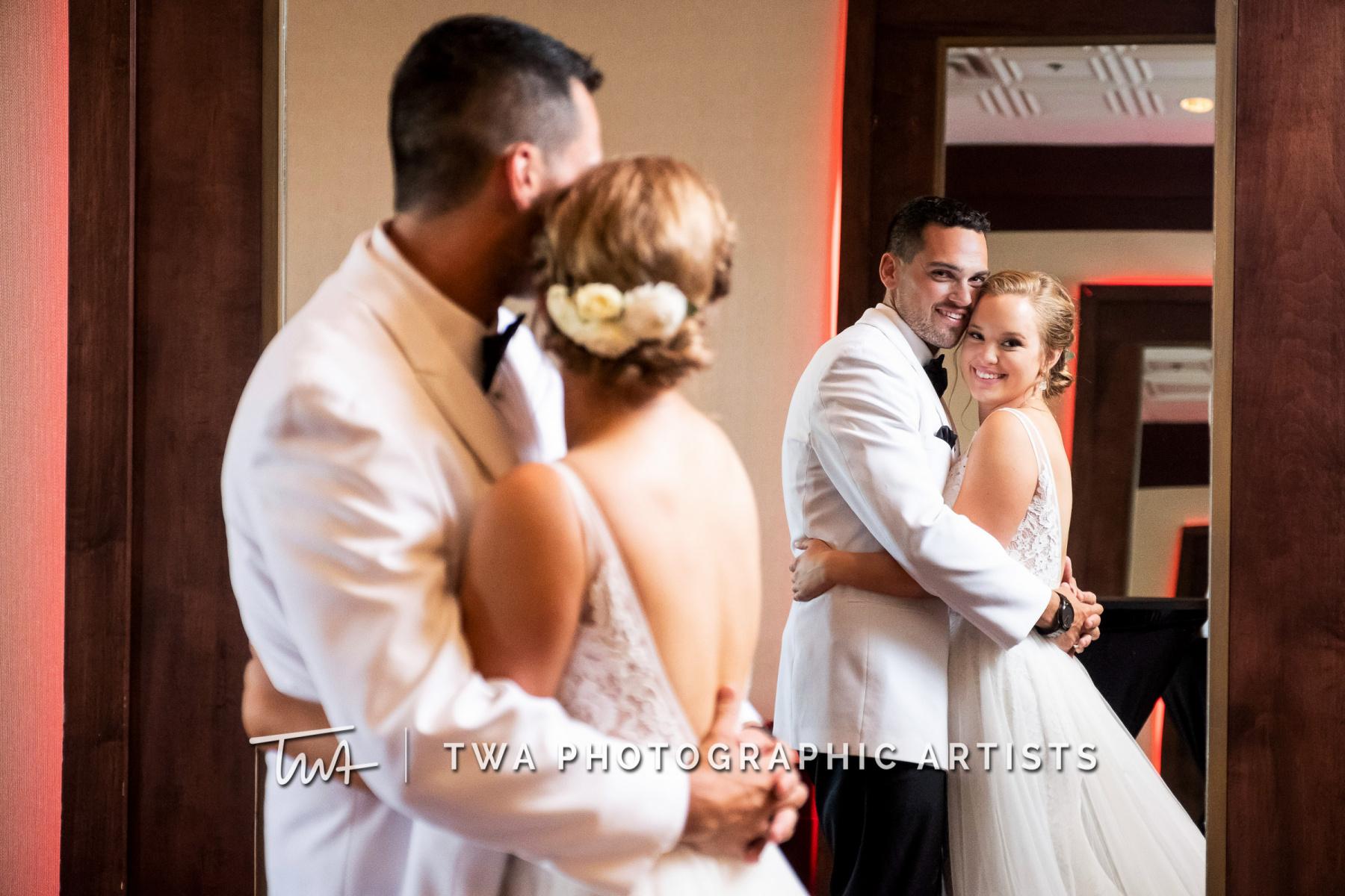 Chicago-Wedding-Photographers-Renaissance-Hotel_Hohensee_Fleishman_JG_DK-068-0414