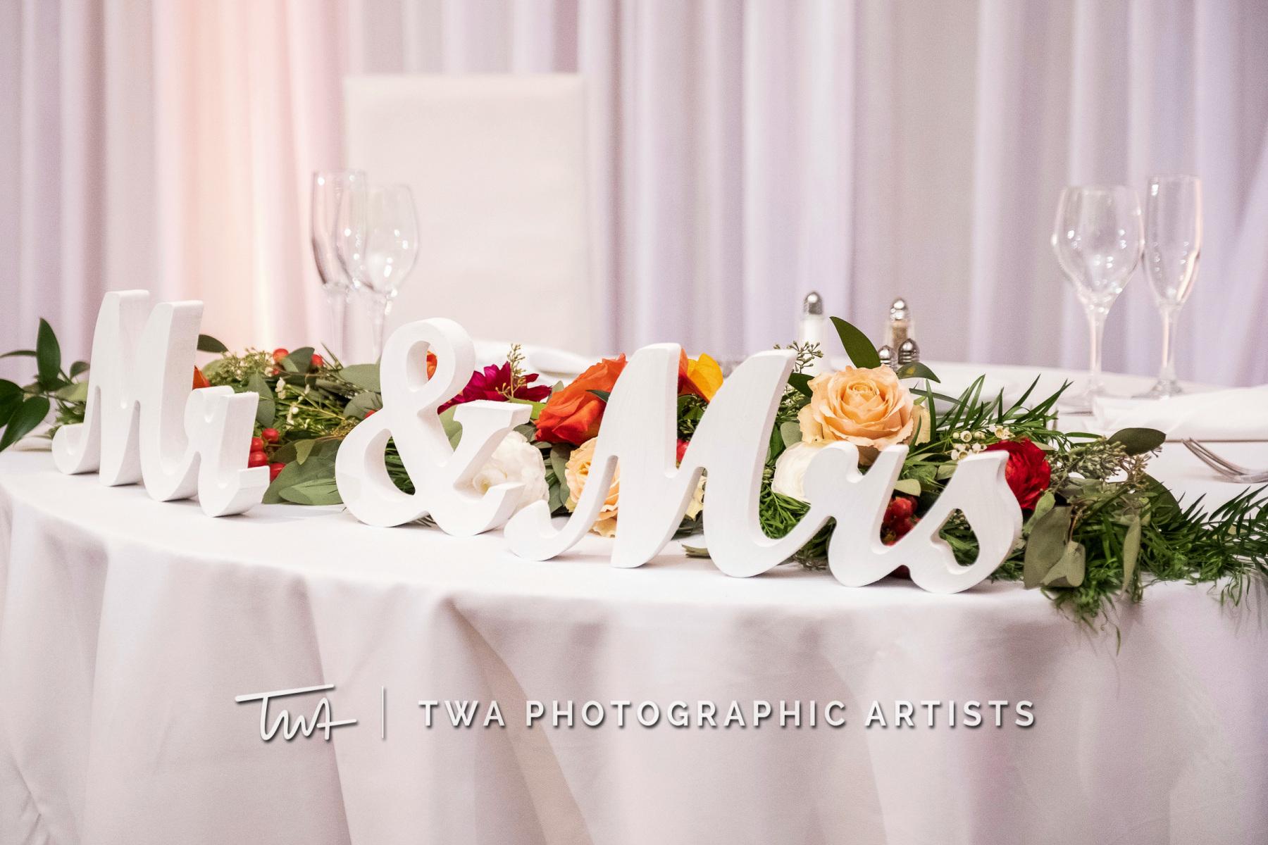 Chicago-Wedding-Photographers-Renaissance-Hotel_Hohensee_Fleishman_JG_DK-069-0432