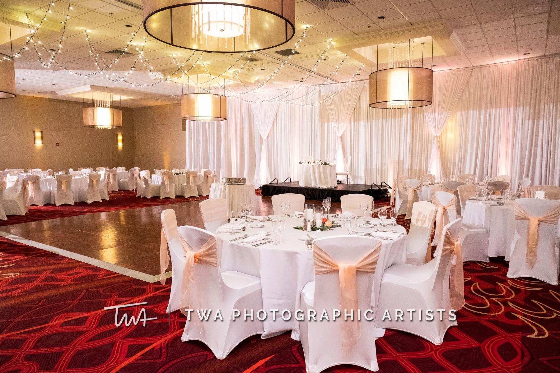 Chicago-Wedding-Photographers-Renaissance-Hotel_Hohensee_Fleishman_JG_DK-070-0433